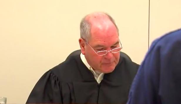 Ten sędzia wymyślił nietypową karę dla osób krzywdzących zwierzęta. Pomysł wzbudza kontrowersje