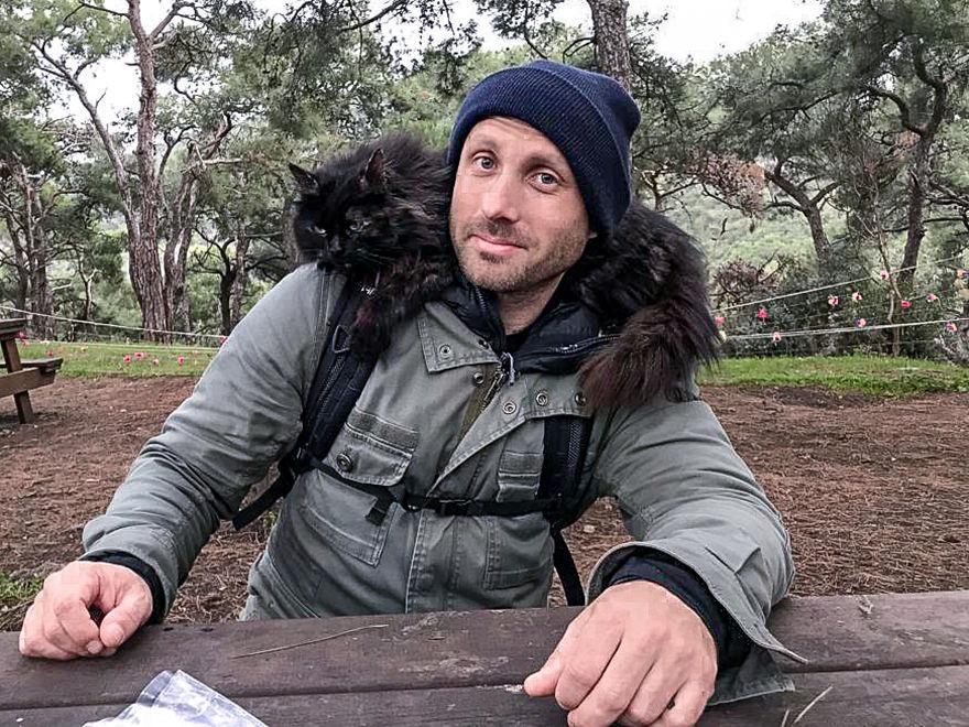 Mężczyzna i kot